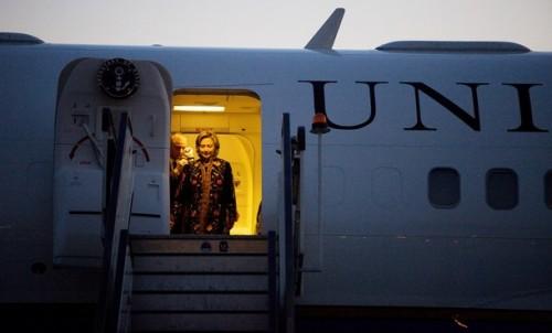 Hillary Clinton Arrives In Kabul For Karzai Inauguration