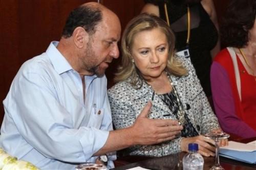 Hillary Rodham Clinton, Alfredo Moreno Charme