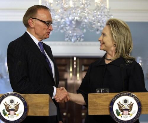 Secretary of State Clinton meets with Australian FM Bob Carr