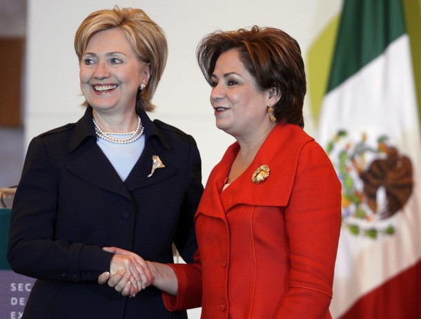 US Secretary of State Clinton shakes hands with Mexican Foreign Minister Espinosa after a news conference in Mexico City