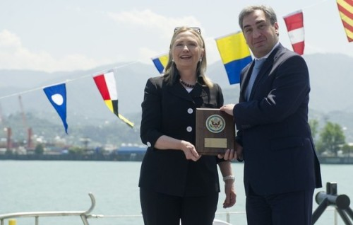 US Secretary of State Hillary Clinton (L