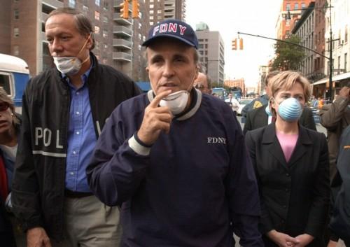 New York Governor George Pataki (L), New