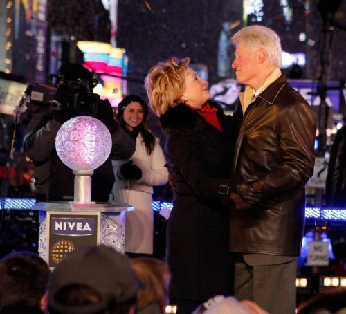 Bill And Hilary Clinton Lower Times Square 2009 New Years Eve Ball