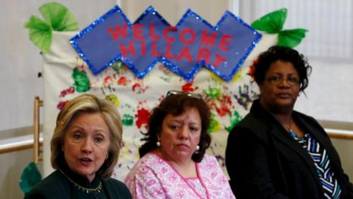 U.S. presidential candidate Hillary Clinton speaks at a roundtable discussion about childcare during a campaign stop in Chicago, Illinois, United States, May 20, 2015.    REUTERS/Jim Young