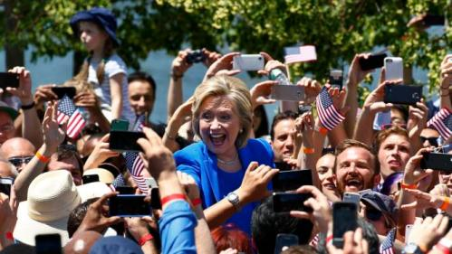 "U.S. Democratic presidential candidate Hillary Clinton reacts to the crowd as she arrives to deliver her ""official launch speech"" at a campaign kick off rally in Franklin D. Roosevelt Four Freedoms Park on Roosevelt Island in New York City, June 13, 2015.   REUTERS/Lucas Jackson"
