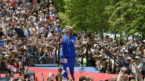 "U.S. Democratic presidential candidate Hillary Clinton gestures after she delivered her ""official launch speech"" at a campaign kick off rally in Franklin D. Roosevelt Four Freedoms Park on Roosevelt Island in New York City, June 13, 2015.  REUTERS/Brendan McDermid"