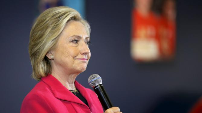 Democratic presidential candidate Hillary Clinton responds to a question from the audience about drug addiction during a campaign stop at the YMCA in Rochester, New Hampshire June 15, 2015.  REUTERS/Brian Snyder