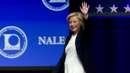 U.S. Democratic presidential candidate and former Secretary of State Hillary Clinton arrives to speak at the National Association of Latino Elected and Appointed Officials (NALEO) convention in Las Vegas, Nevada June 18, 2015.  REUTERS/Steve Marcus