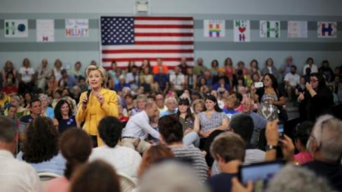 Democratic presidential candidate Hillary Clinton speaks during a town hall campaign stop in Nashua, New Hampshire July 28, 2015. REUTERS/Brian Snyder