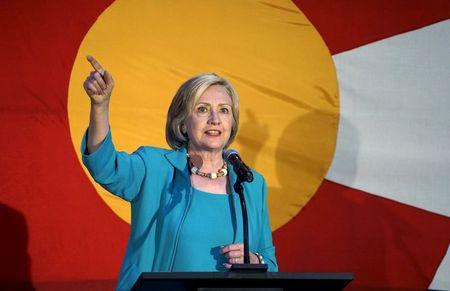 Democratic presidential candidate Hillary Clinton addresses supporters at a campaign kickoff event in Denver, Colorado August 4, 2015.  REUTERS/Rick Wilking