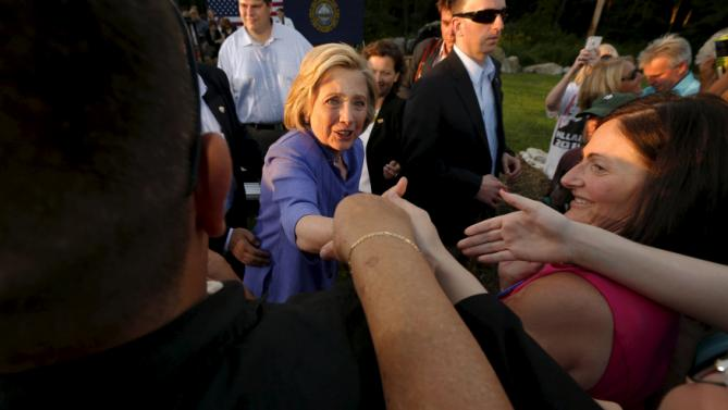 U.S. Democratic presidential candidate Hillary Clinton greets supporters at a campaign stop in Manchester, New Hampshire, August 10, 2015. REUTERS/Brian Snyder