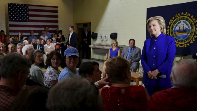 U.S. Democratic presidential candidate Hillary Clinton listens to a question from the audience during a community forum about substance abuse in Keene, New Hampshire August 11, 2015.   REUTERS/Brian Snyder