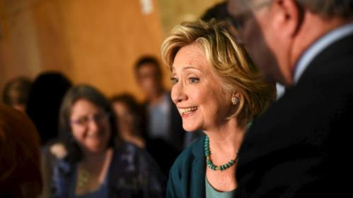 U.S. Democratic presidential candidate Hillary Clinton meets supporters at the end of the Community Forum on Substance Abuse at The Boys and Girls Club of America campaign event in Laconia, New Hampshire September 17, 2015. REUTERS/Faith Ninivaggi