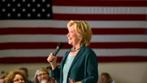 U.S. Democratic presidential candidate Hillary Clinton speaks at the Community Forum on Substance Abuse at The Boys and Girls Club of America campaign event in Laconia, New Hampshire September 17, 2015. REUTERS/Faith Ninivaggi