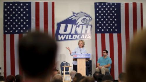 U.S. Democratic Presidential candidate Hillary Clinton speaks at a campaign community forum on college affordability in Durham, New Hampshire, September 18, 2015. REUTERS/Brian Snyder