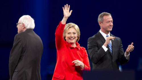 Democratic presidential candidates Bernie Sanders, Hillary Clinton and Martin O'Malley arrive at the 2015 Jefferson-Jackson Dinner in Des Moines, Iowa, October 24, 2015. REUTERS/Scott Morgan