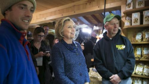 U.S. Democratic presidential candidate and former Secretary of State Hillary Clinton visits supporters at Moulton Farm in Meredith, New Hampshire October 28, 2015. REUTERS/Katherine Taylor