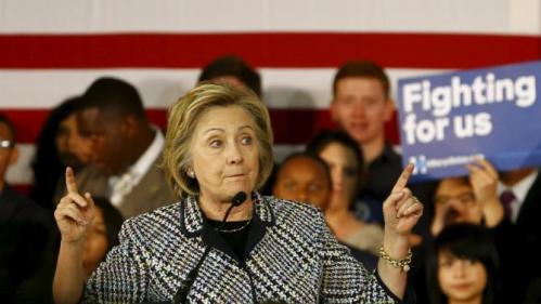Hillary Clinton speaks at a Grassroots Organizing Event at Mountain View College in Dallas, Texas November 17, 2015.  REUTERS/Mike Stone