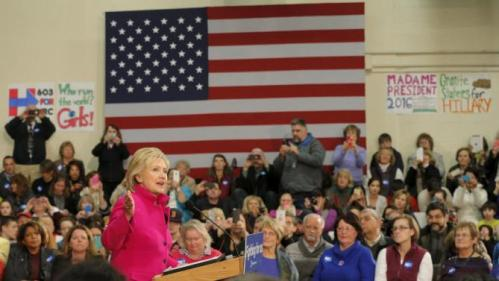 REFILE - CORRECTING SPELLING IN BYLINEU.S. Democratic presidential candidate Hillary Clinton speaks at a campaign town hall meeting in Salem, New Hampshire December 8, 2015. REUTERS/Brian Snyder