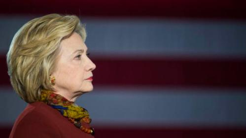 Democratic presidential candidate Hillary Clinton talks about her counterterrorism strategy during a campaign stop in Minneapolis, Minnesota, December 15, 2015. REUTERS/Craig Lassig