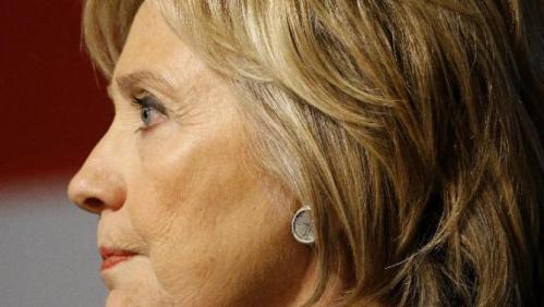 Democratic presidential candidate Hillary Clinton pauses as she speaks at a campaign event at Iowa State University in Ames, Iowa, Tuesday, Jan. 12, 2016. (AP Photo/Patrick Semansky)
