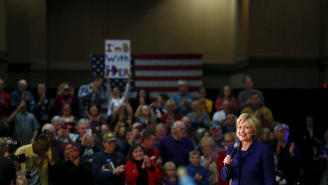 Democratic presidential candidate Hillary Clinton speaks at the Pzazz! Resort Hotel in Burlington, Iowa, January 20, 2016. REUTERS/Aaron P. Bernstein