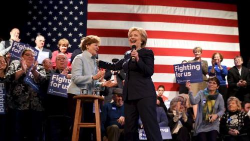 Senator Jeanne Shaheen introduces U.S. Democratic presidential candidate Hillary Clinton at Rochester Opera House campaign town hall meeting in Rochester, New Hampshire January 22, 2016. REUTERS/Faith Ninivaggi