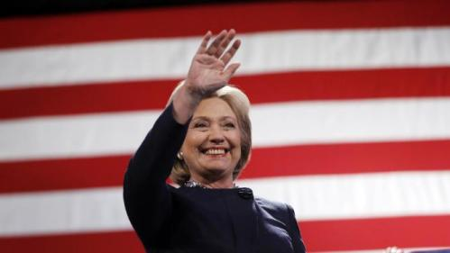 Democratic presidential candidate Hillary Clinton waves during a campaign stop Friday, Jan. 22, 2016, in Rochester, N.H. (AP Photo/Matt Rourke)