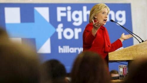 Democratic U.S. presidential candidate Hillary Clinton speaks during a Get Out the Caucus event at the Valley Southwoods Freshman High School in West Des Moines, Iowa, January 24, 2016. REUTERS/Scott Morgan