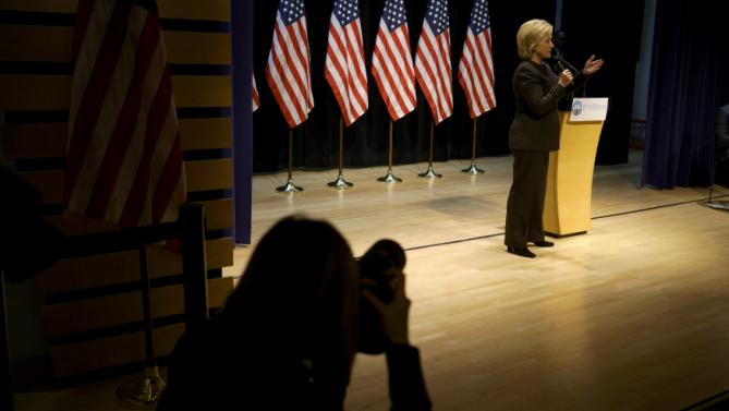 Democratic presidential candidate Hillary Clinton speaks at the Jewish Federation of Greater Des Moines while campaigning in Des Moines, Iowa, January 25, 2016.   REUTERS/Rick Wilking