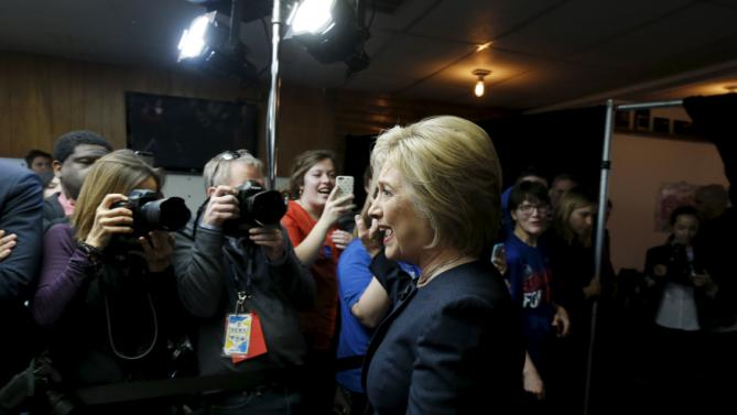 U.S. Democratic presidential candidate Hillary Clinton arrives for a campaign event at the Adel Family Fun Center bowling alley in Adel, Iowa January 27, 2016.   REUTERS/Jim Bourg