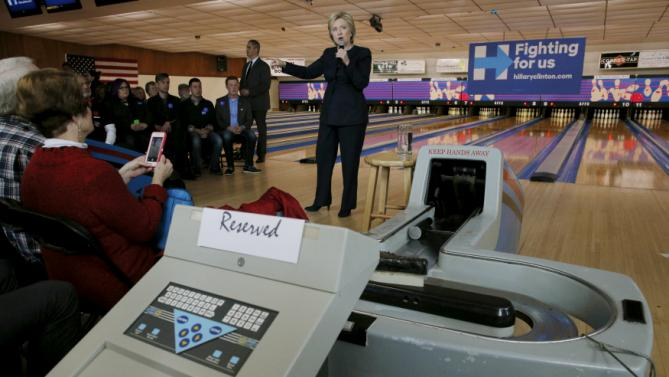 U.S. Democratic presidential candidate Hillary Clinton speaks at a campaign stop at the Family Fun Center in Adel, Iowa January 27, 2016.  REUTERS/Brian Snyder