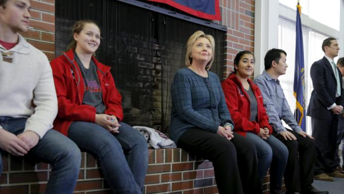 U.S. Democratic presidential candidate Hillary Clinton listens as she is introduced at New England College in Henniker, New Hampshire February 6, 2016.  REUTERS/Brian Snyder
