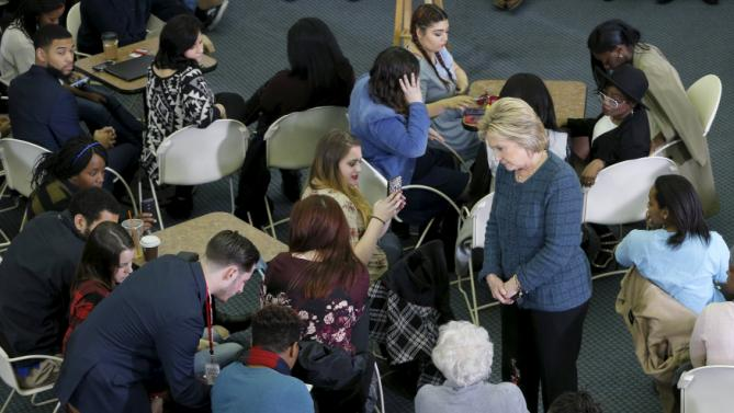 U.S. Democratic presidential candidate Hillary Clinton listens to a question from the audience during a campaign stop at New England College in Henniker, New Hampshire February 6, 2016.  REUTERS/Brian Snyder