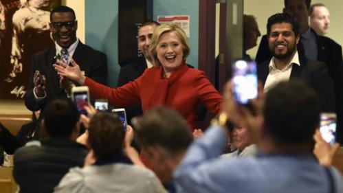 Democratic presidential candidate Hillary Clinton arrives to meet workers at Caesars Palace in Las Vegas, Nevada February 14, 2016. REUTERS/David Becker