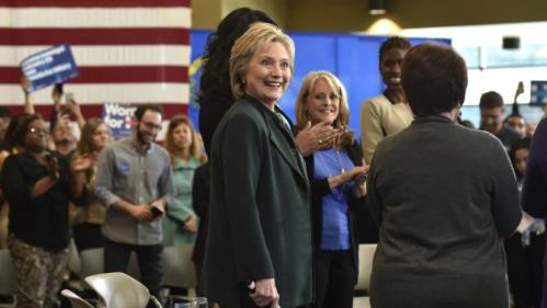 U.S. Democratic presidential candidate Hillary Clinton attends a women and family roundtable at the College of Southern Nevada in North Las Vegas, Nevada February 19, 2016. REUTERS/David Becker