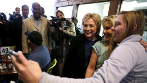 U.S. Democratic presidential candidate Hillary Clinton greets people at a restaurant in Birmingham, Alabama February 27, 2016. REUTERS/Jonathan Ernst