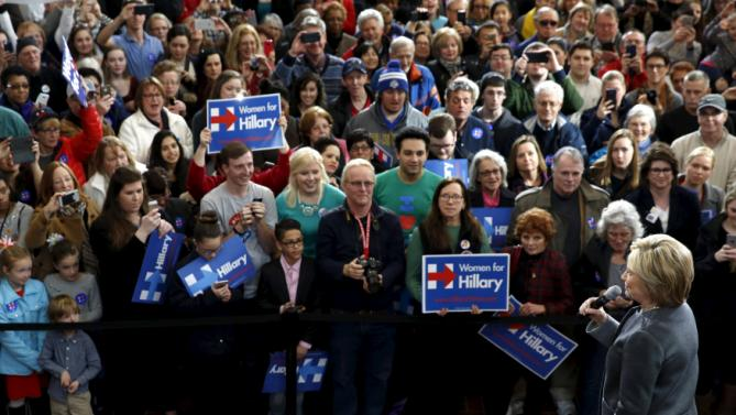 U.S. Democratic presidential candidate Hillary Clinton rallies with supporters at Wood Museum of Springfield History in Springfield, Massachusetts February 29, 2016. REUTERS/Jonathan Ernst