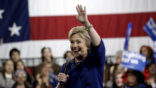 U.S. Democratic presidential candidate Hillary Clinton waves to supporters as she speaks at a campaign event in the Manhattan borough of New York City, March 2, 2016. REUTERS/Mike Segar