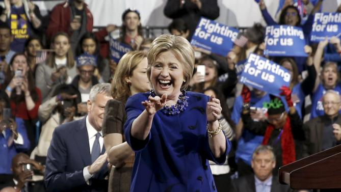 U.S. Democratic presidential candidate Hillary Clinton waves to supporters after speaking at a campaign event in the Manhattan borough of New York City, March 2, 2016. REUTERS/Mike Segar