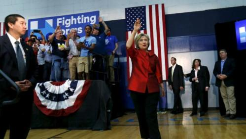 Democratic U.S. presidential candidate Hillary Clinton arrives for a campaign rally at Carl Hayden Community High School in Phoenix, Arizona March 21, 2016. REUTERS/Mario Anzuoni