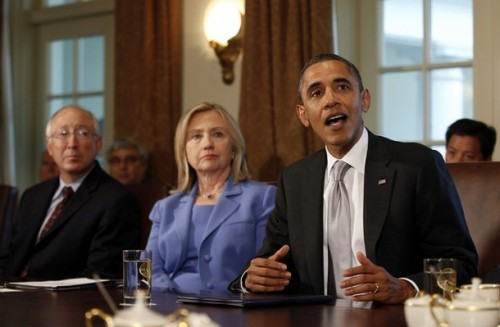 U.S. President Barack Obama participates in a cabinet meeting at the White House in Washington, August 3, 2011. With Obama are Secretary of the Interior Ken Salazar (L) and Secretary of State Hillary Clinton. REUTERS/Jason Reed (UNITED STATES - Tags: POLITICS)